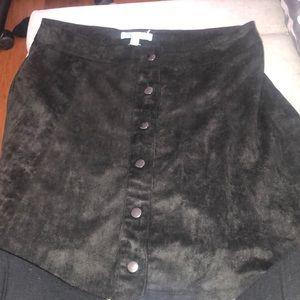 Black bottom skirt!